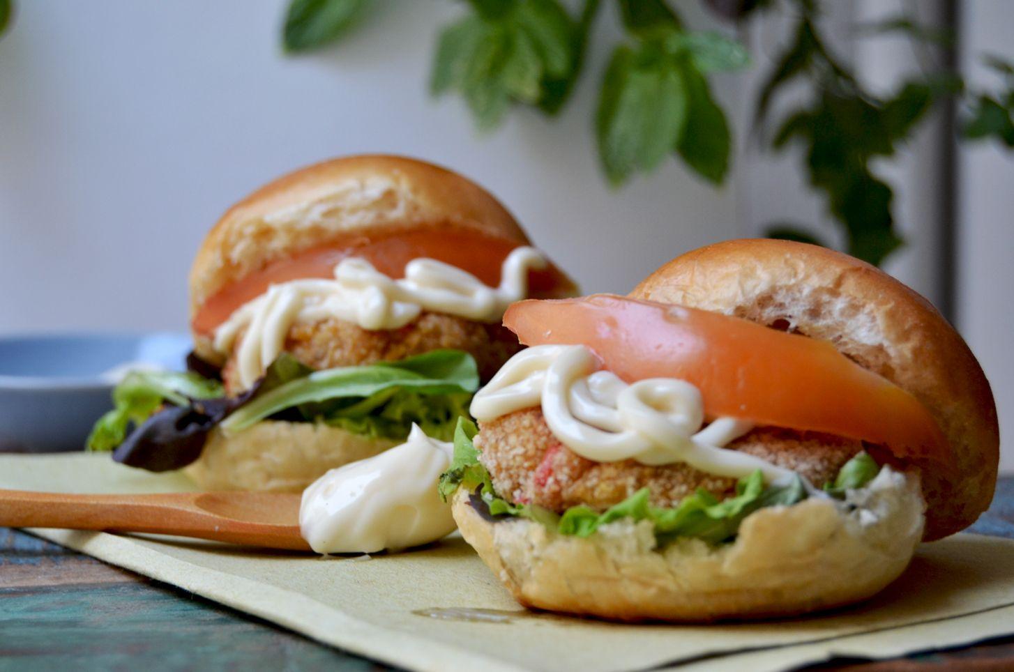 La ricetta dei mini burger vegetariani di quinoa