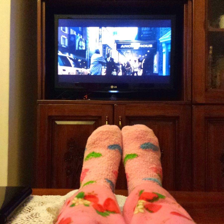...la libidine dei calzettoni e della tv accesa al posto del venerdì in giro per locali...