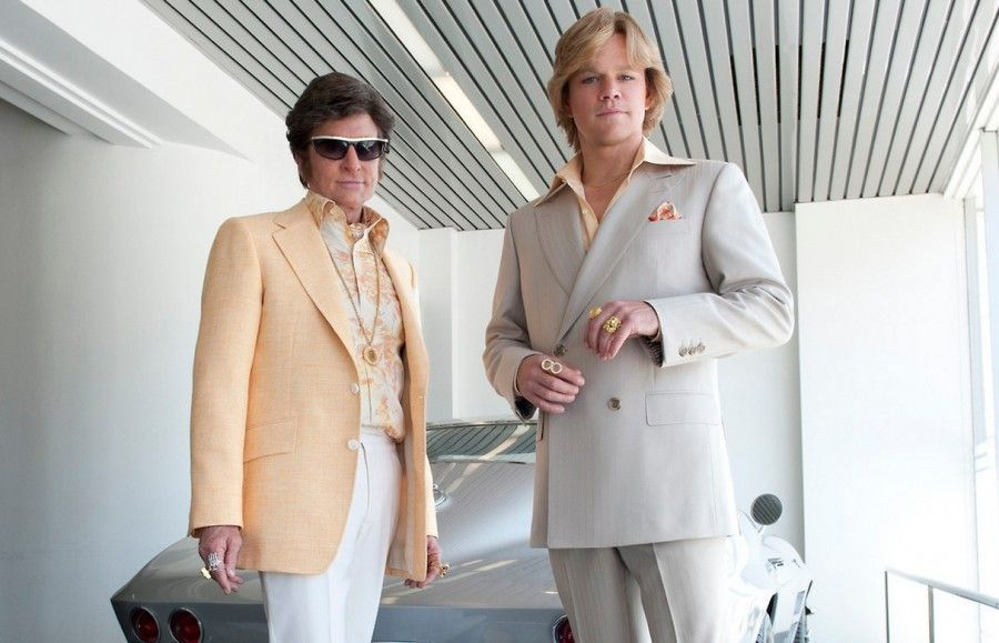 Michel Douglas e Matt Damon in una scena di Dietro i candelabri