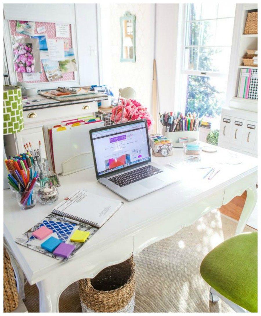 come-abbellire-la-scrivania-e-renderla-funzionale