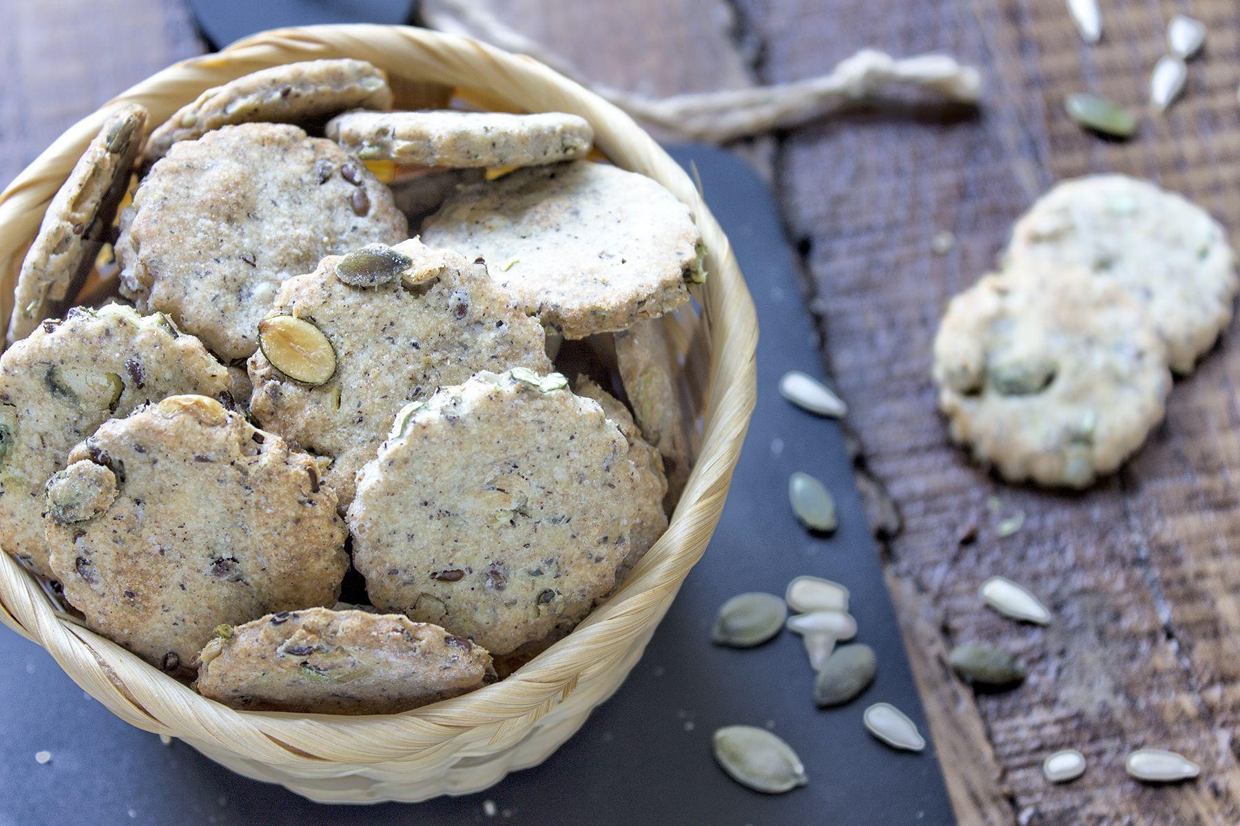 crackers-ai-semi-tostati-contemporaneo-food