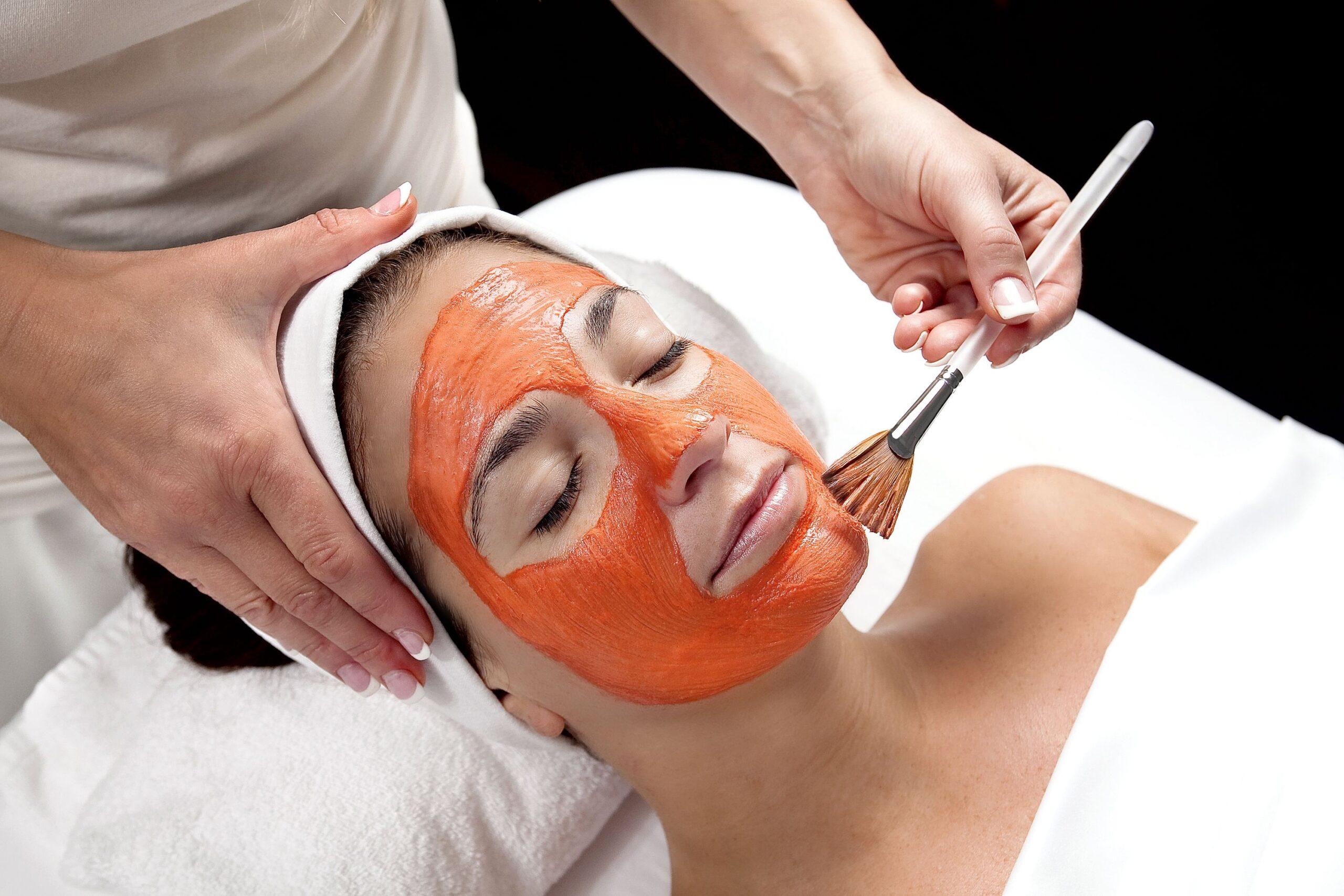 12 trattamenti per viso, corpo e capelli a base di zucca