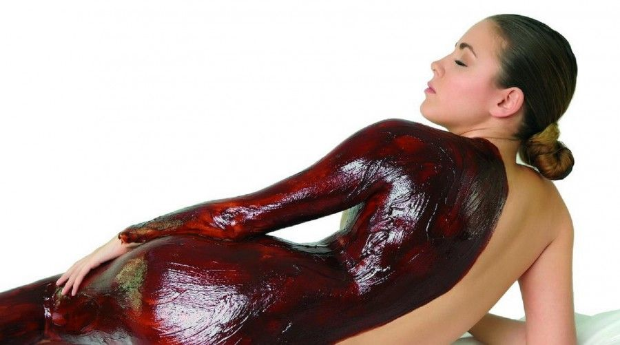vinoterapia-mujer-en-vino-new