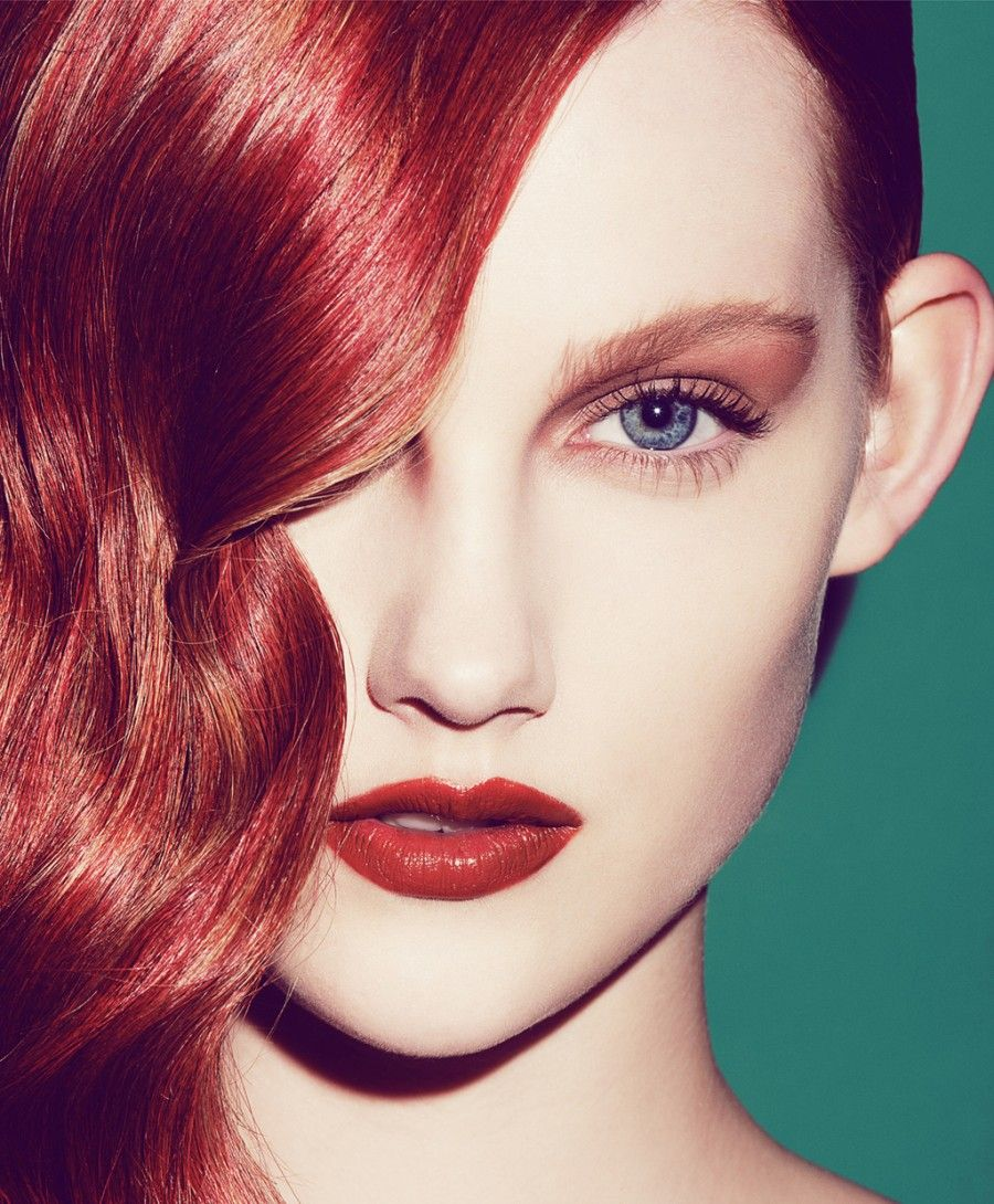 wedding-makeup-look-with-bronze-lids-red-lips-and-hair.full