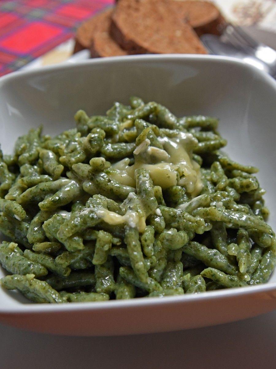 Spatzle agli spinaci e brie bigodino - Come cucinare gli spatzli ...