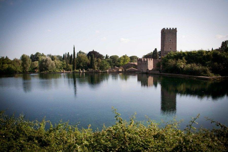5 antichi castelli con giardini magici da visitare bigodino - I giardini di ninfa ...