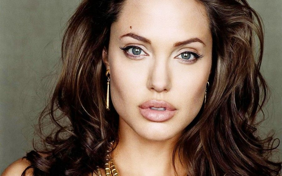 Angelina Jolie in menopausa anticipata