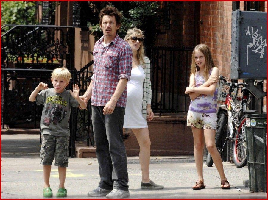 Ethan Hawke con la famiglia