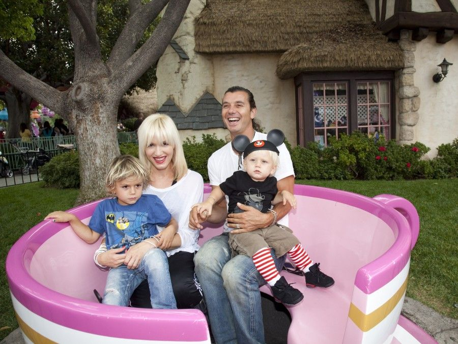 ANAHEIM, CA - JULY 07: In this handout photo provided by Disney, Gwen Stefani and Gavin Rossdale, with their children, Kingston, 4, and Zuma, 1, visit the Mad Tea Party attraction at Disneyland on July 7, 2010 in Anaheim, California. (Photo by Paul Hiffmeyer/Disneyland via Getty Images)