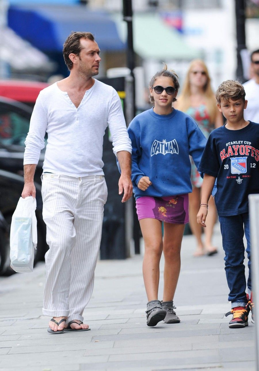 August 13, 2012: Jude Law is photographed with his children today in Primrose HIll, London, UK. They were seen shopping for snacks and toys. Pictured here: Rudy Law, Iris law, Jude Law. Mandatory Credit: INFphoto.com Ref.: infuklo-135