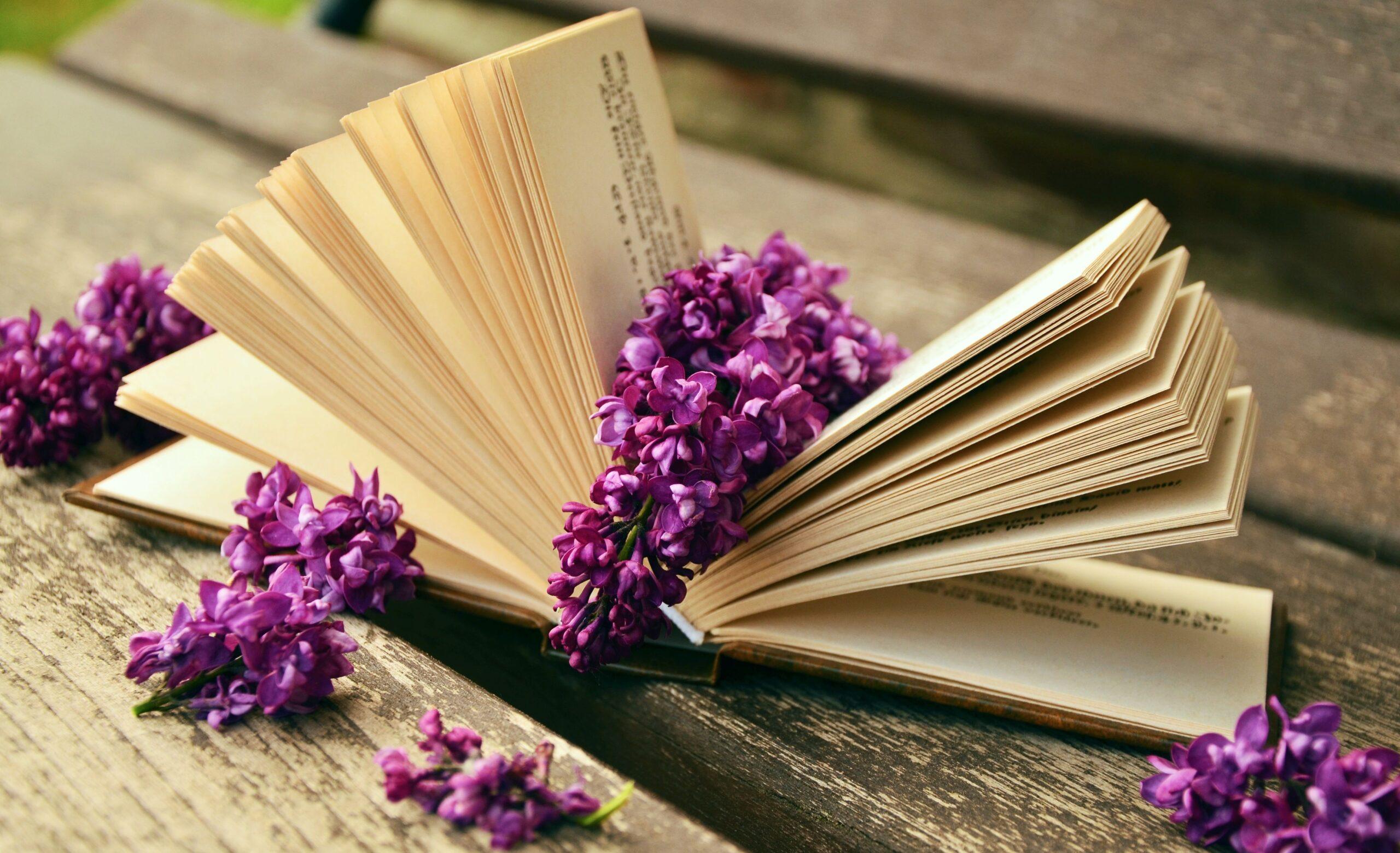4 modi per creare romantiche decorazioni con i libri