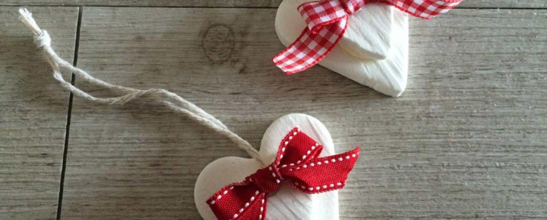 Diy decorazioni natalizie al bicarbonato bigodino - Decorazioni cuori ...