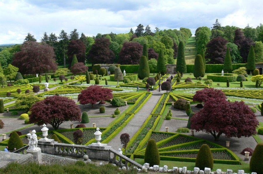 drummond_castle_gardens