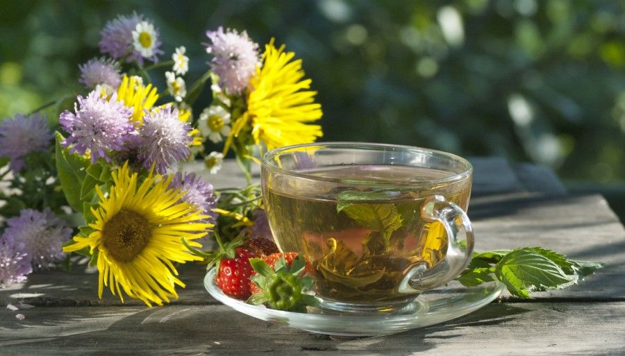 wild flowers, green mint tea and strawberry