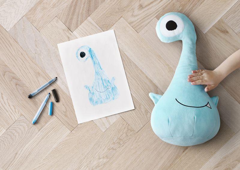 Ikea lancia una collezione di peluche disegnati dai bambini