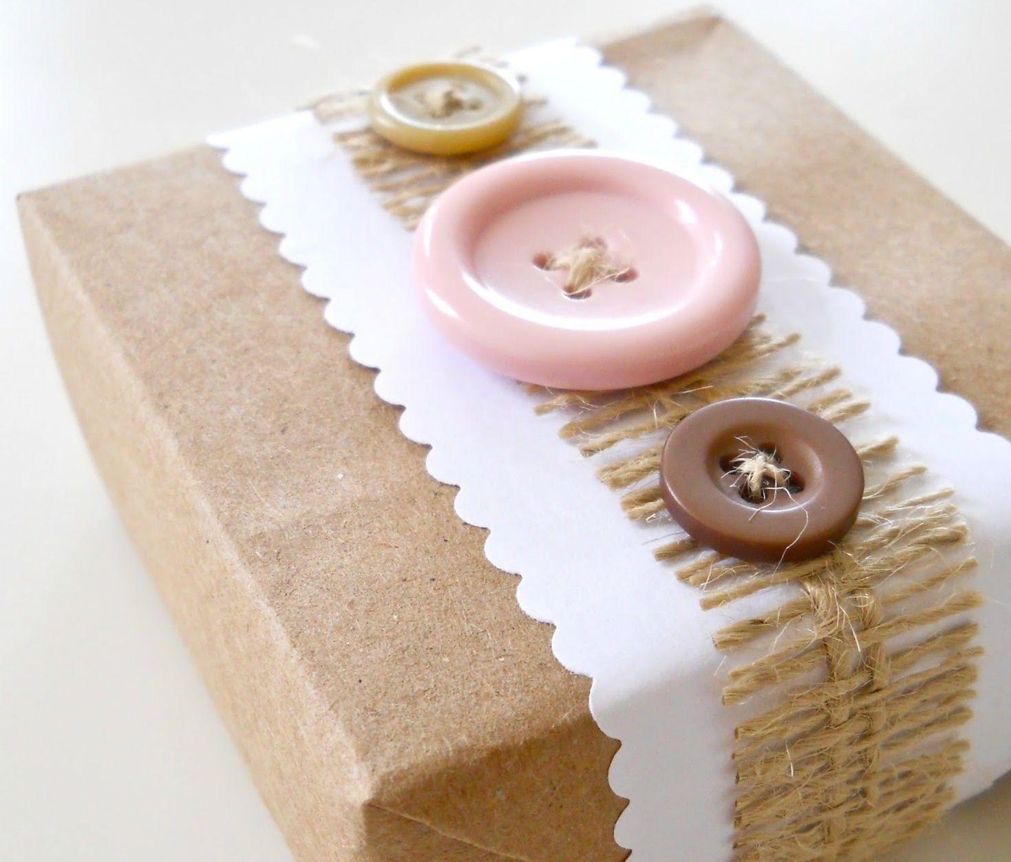riciclare-bottoni-pacchetti
