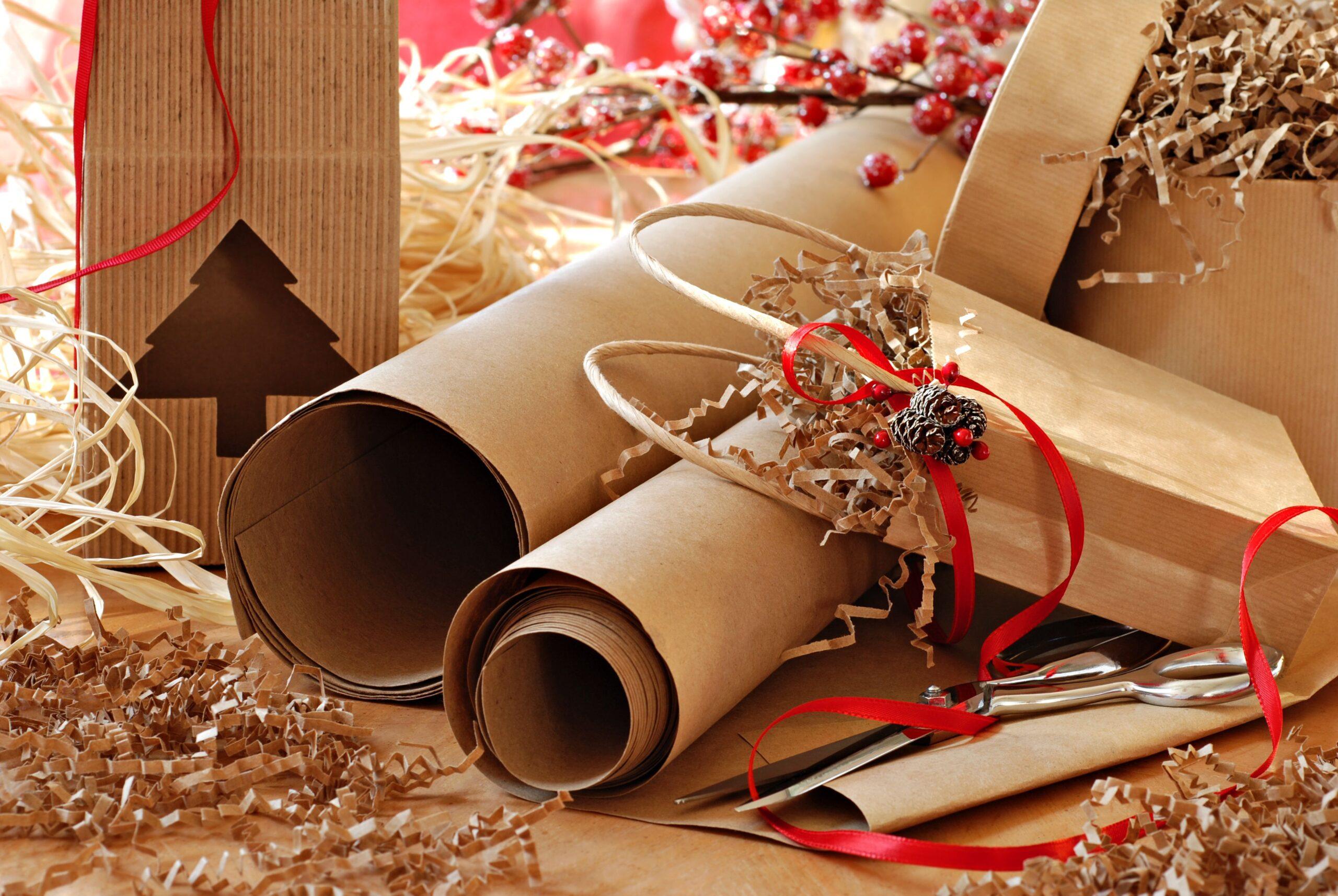Scopri come incartare i regali con la carta riciclata