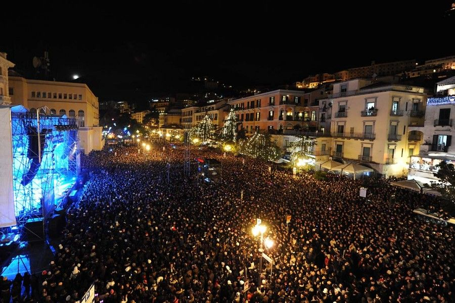 Capodanno-a-Salerno-Concerto-in-piazza-01