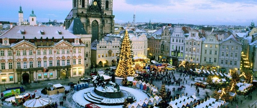 christmas_market_old_town_square_prague_czech_republic_10804_2560x1080