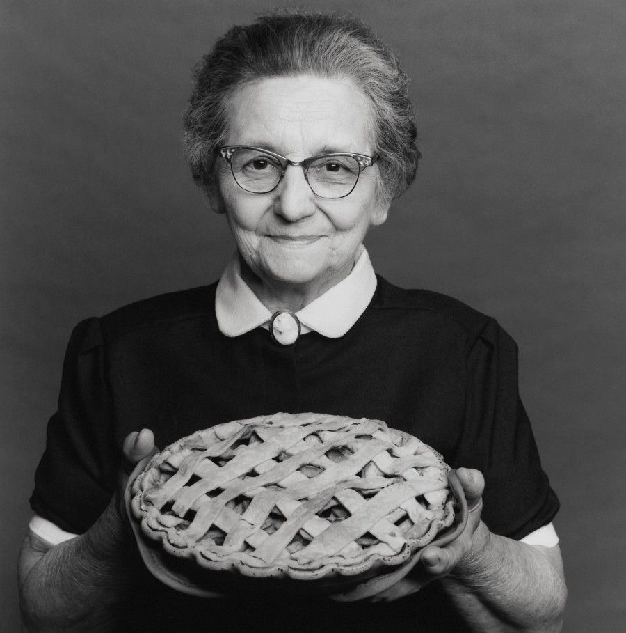 Grandmother holding homemade pie --- Image by © 2/Headhunters/Ocean/Corbis