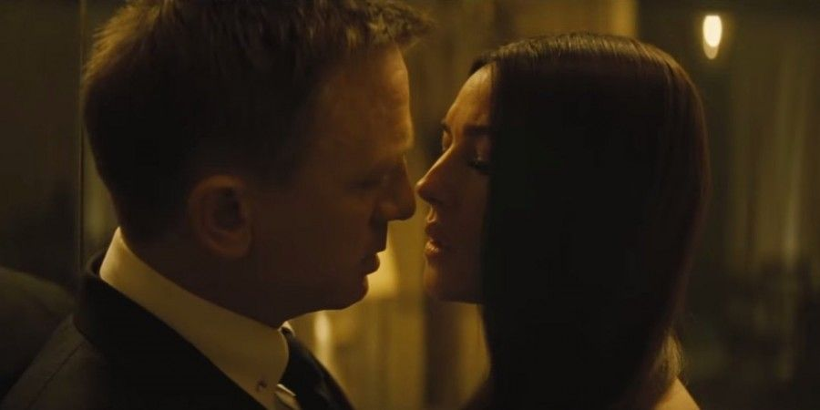 Daniel Craig e Monica Bellucci in Spectre