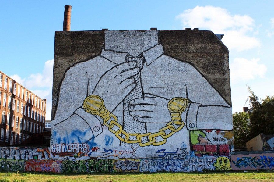 Street-Art-In-Berlin-BLU-3