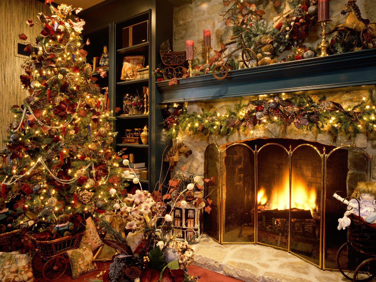 Case Di Montagna A Natale : Casa con albero di natale santantonioposta