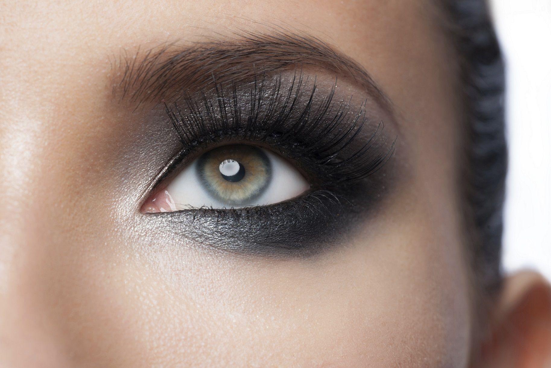 Tecnica make-up occhi: cosa è corretto e cosa è sbagliato (video)