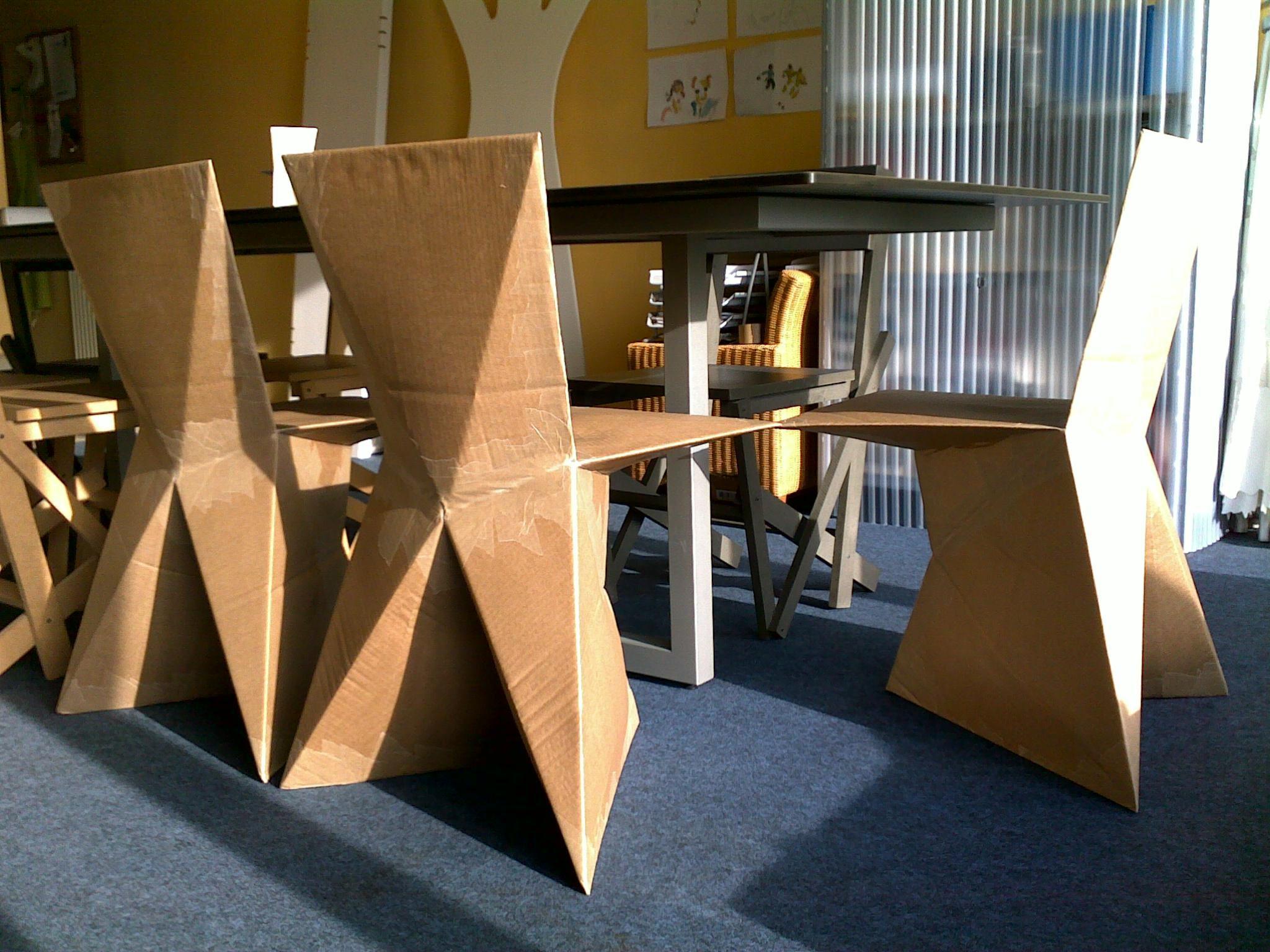 Poltrona per ufficio in cartone riciclato l eco design funzionale