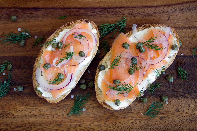toast-salmone