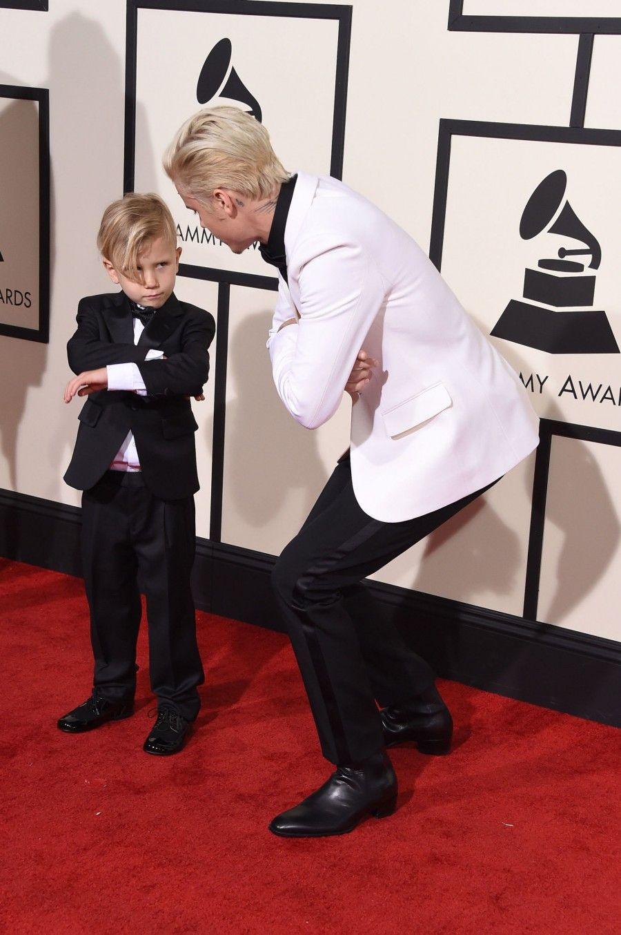 Justin Bieber con il fratello. Fonte: cosmopolitan.com