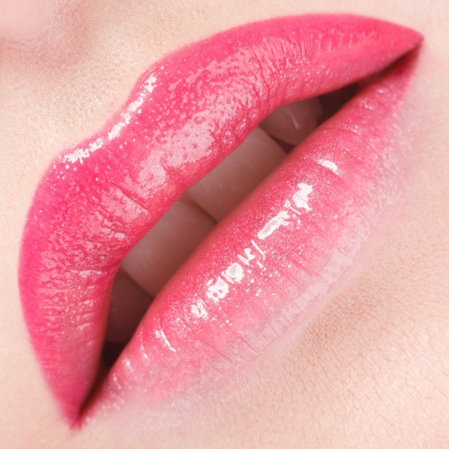 Glamour pink lips