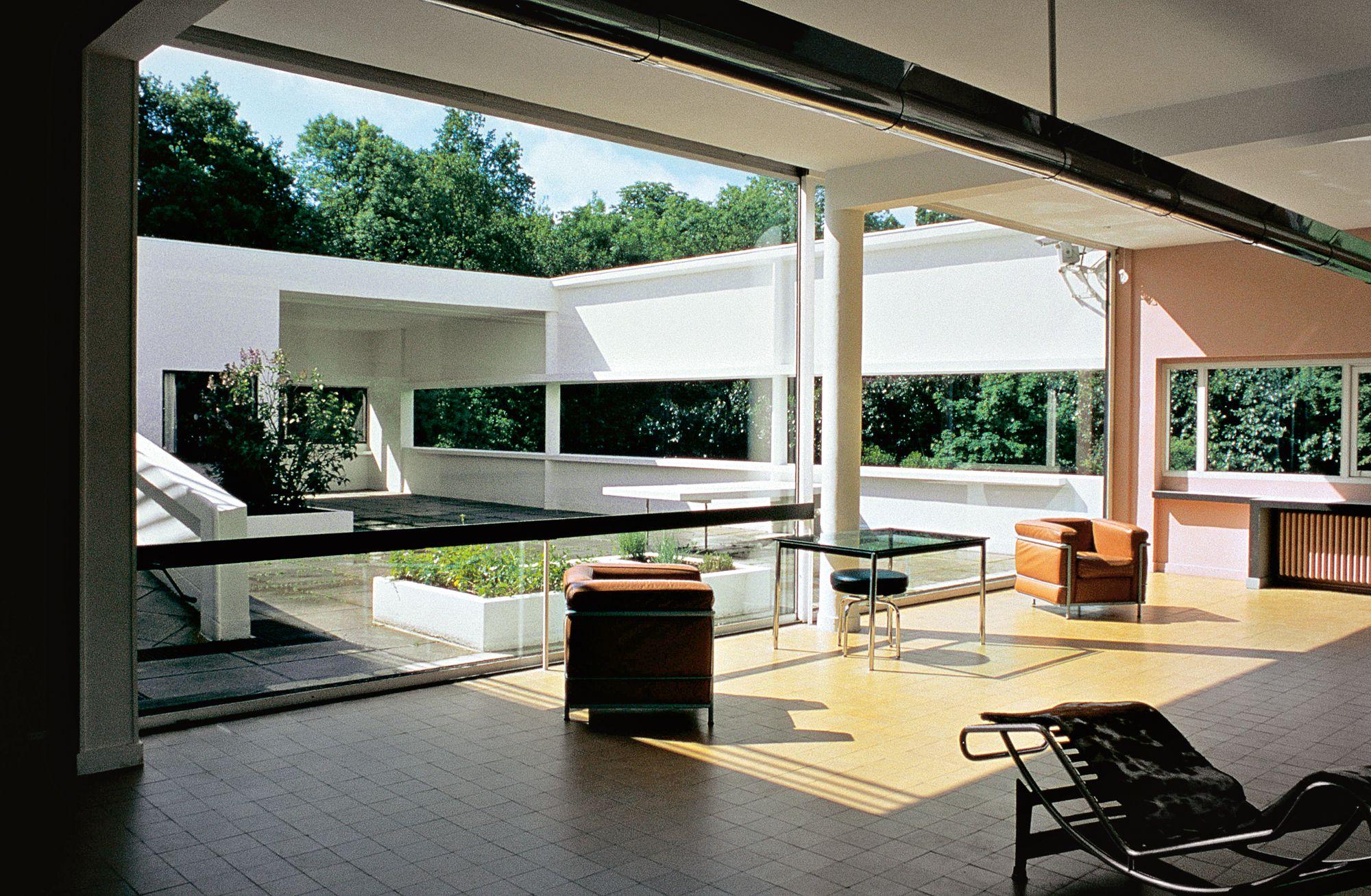 Ville-Savoye-di-Le-Corbusier-2