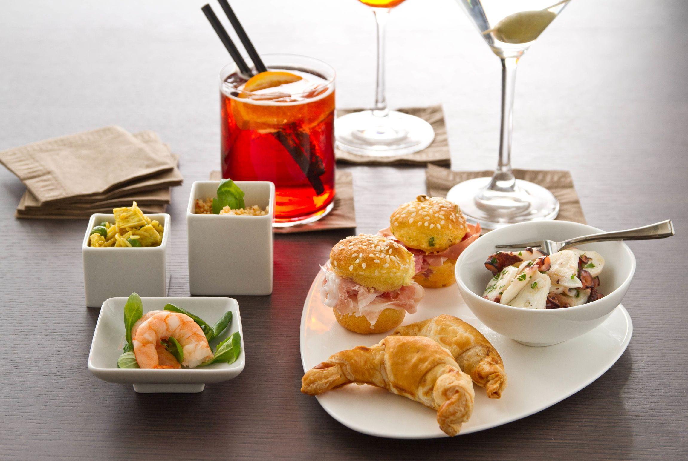 Bere quando sei a dieta: i cocktail con meno calorie