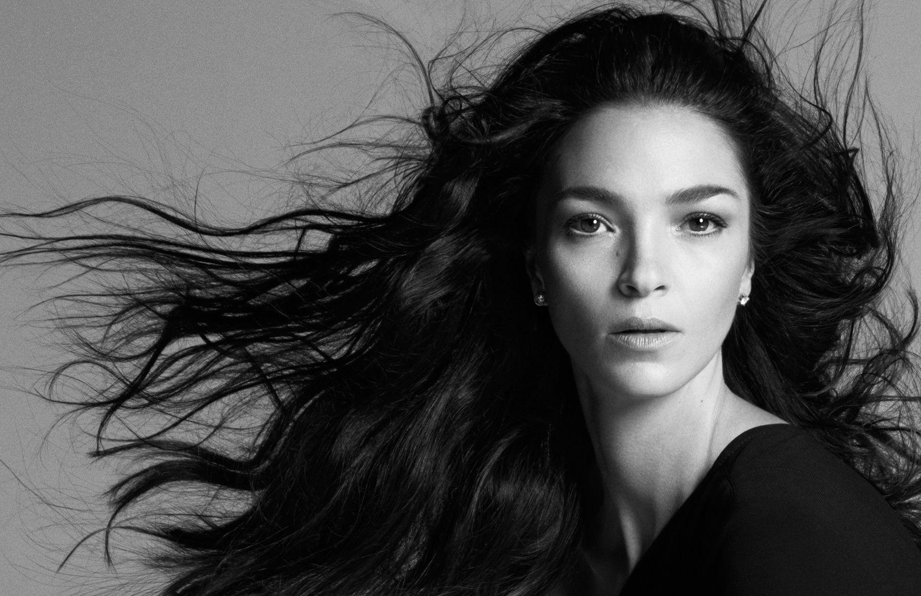 Mariacarla Boscono:  tutti i segreti di una modella sopra le righe