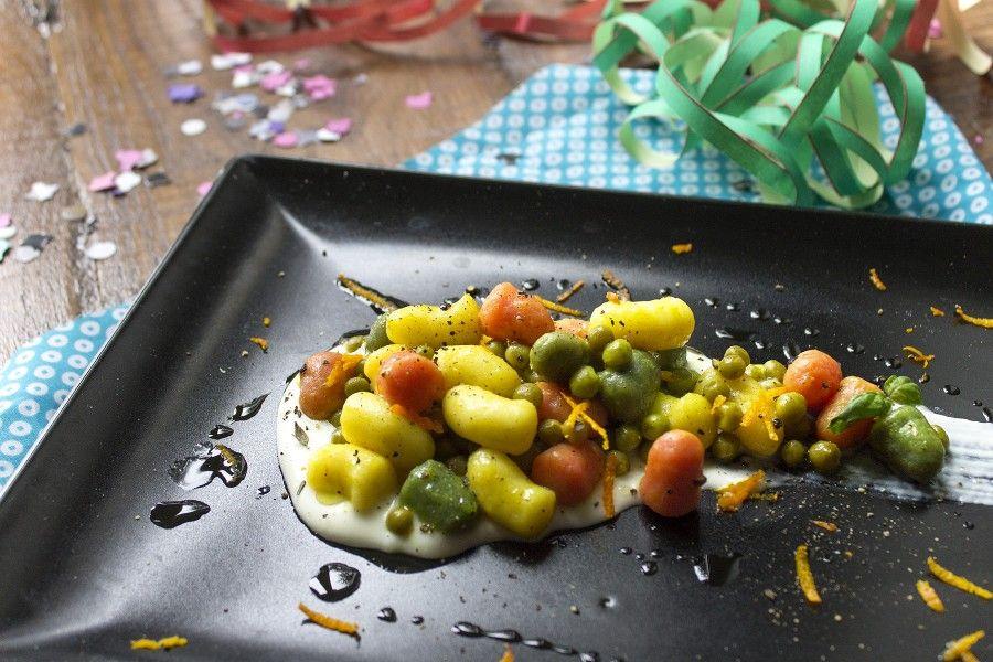 gnocchetti-tricolore-arancia-piselli-stracchino-contemporaneo-food