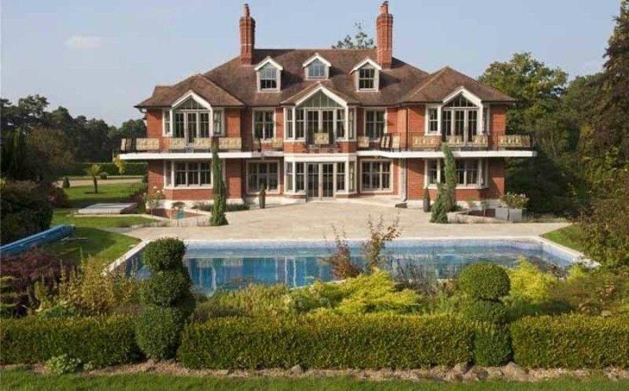 10 case dei vip in vendita ecco quanto costano for Quanto costa una mega villa