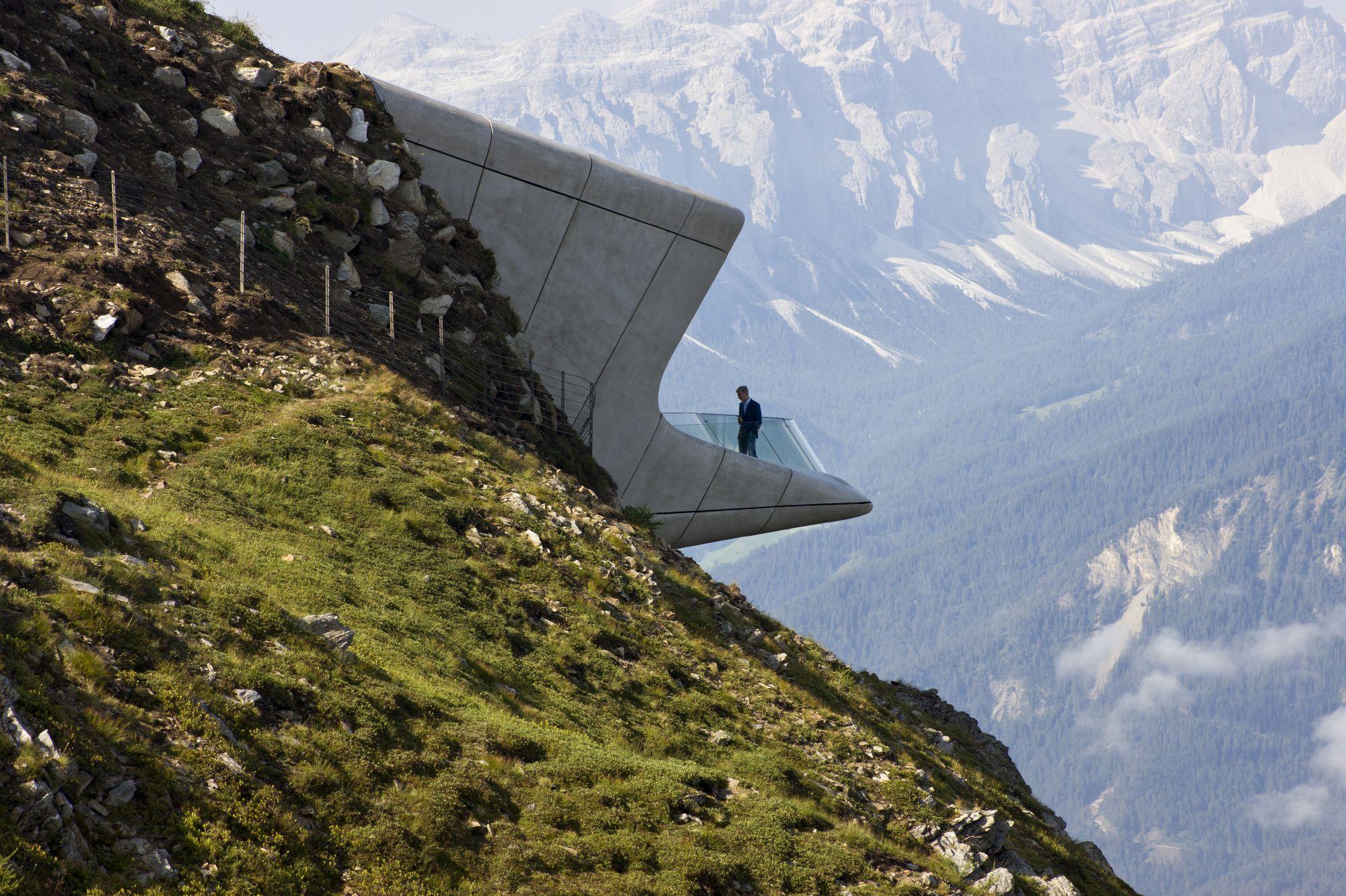 Architetture estreme: vivere sull'orlo di un precipizio