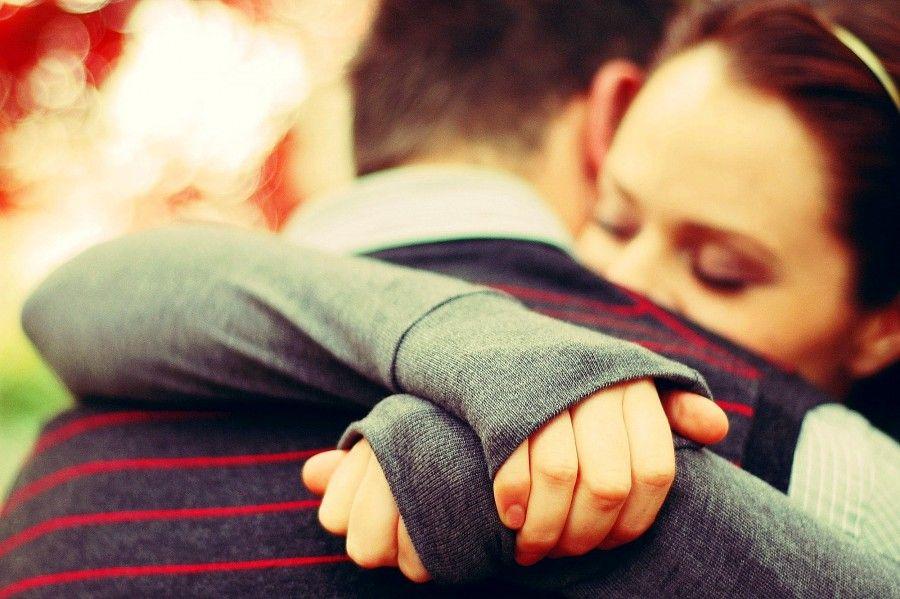 Voi come vi abbracciate?