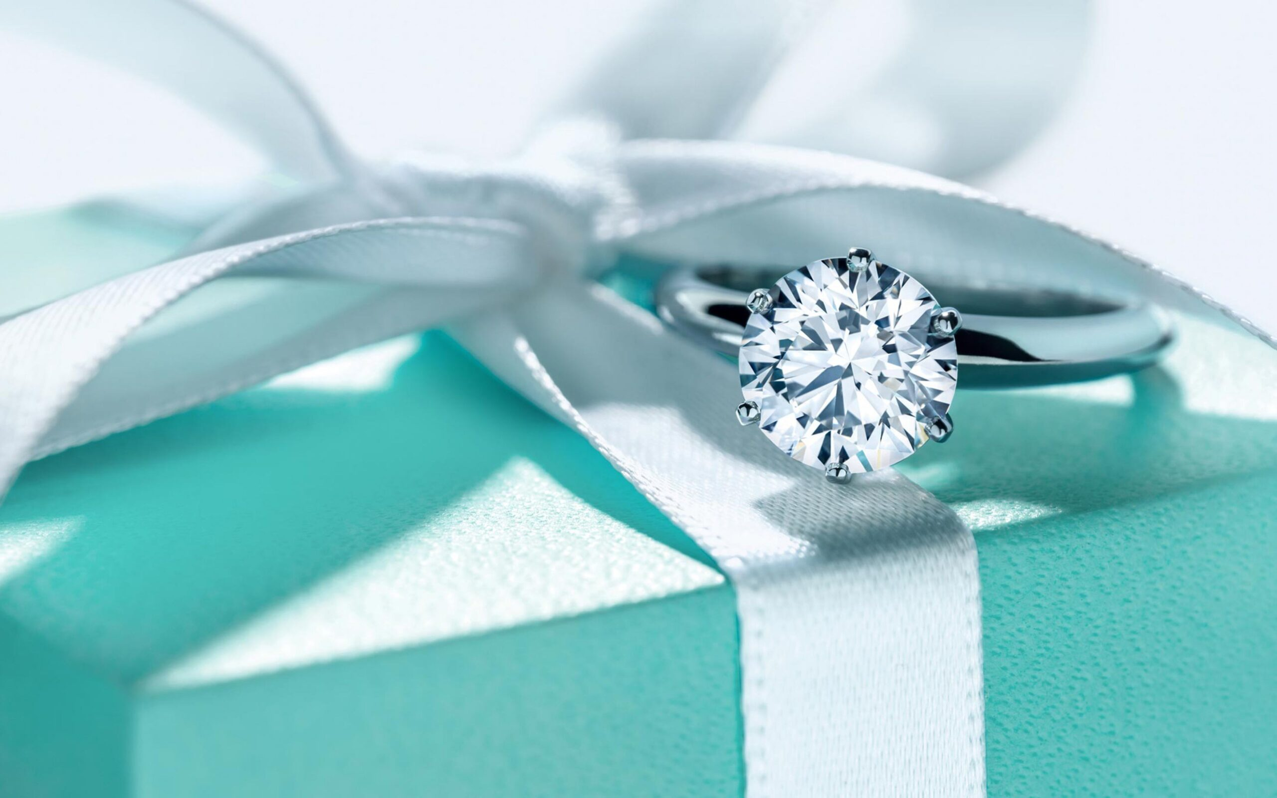 8 oggetti per la casa color Tiffany, da regalarti per questa primavera