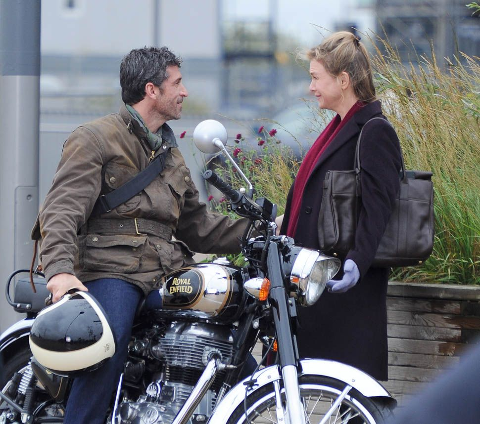 Renee Zellweger, Patrick Dempsey and Colin Firth shooting scenes with a motorbike for the new Bridget Jones movie at London Stratford Oylimpic Park, Renee almost falls over in between takes. Patrick and Renee share a kiss while shooting Pictured: Renee Zellweger, Patrick Dempsey and Colin Firth Ref: SPL1170979 061115 Picture by: KP Pictures / Splash News Splash News and Pictures Los Angeles:310-821-2666 New York:212-619-2666 London:870-934-2666 photodesk@splashnews.com