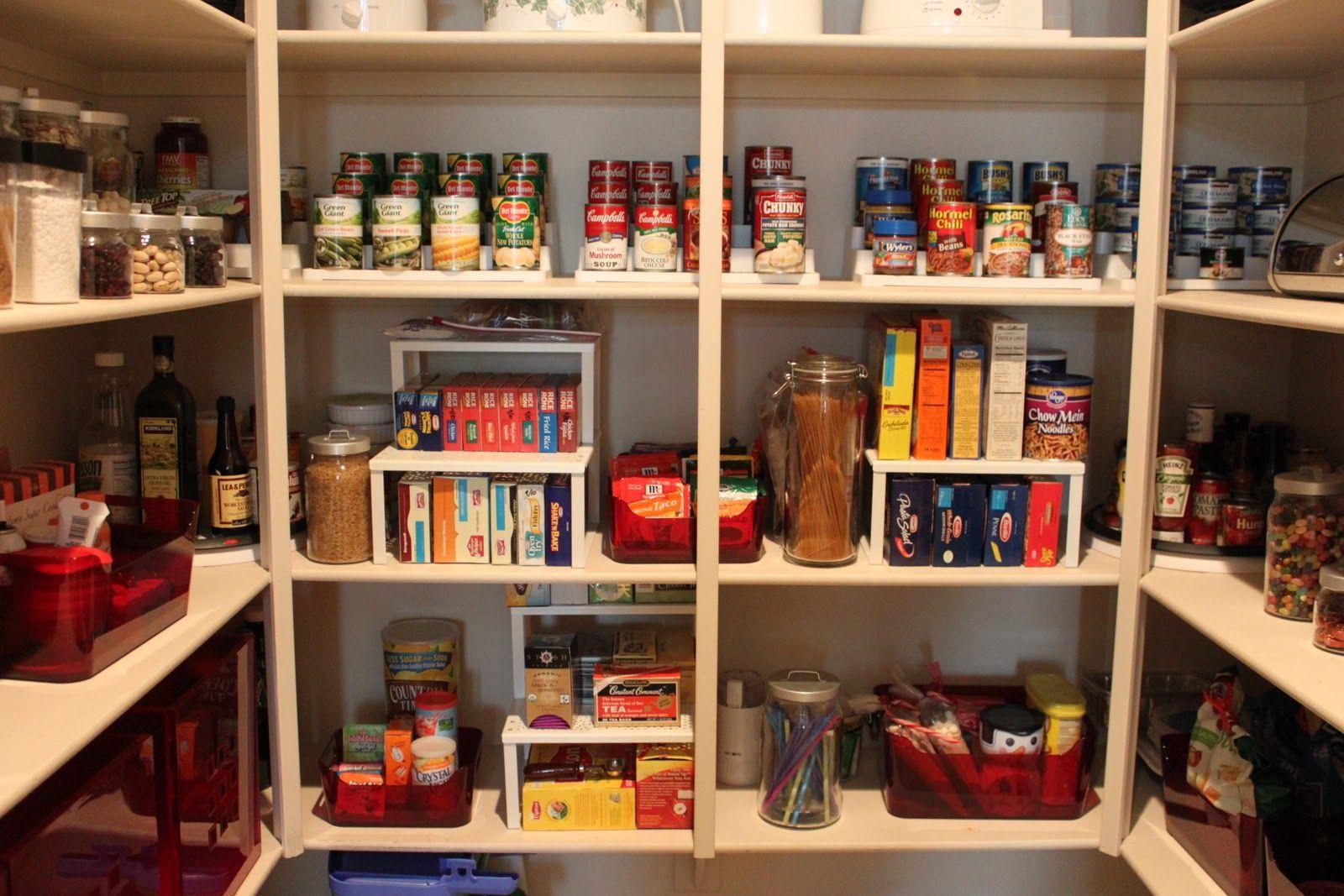 Organizzare La Credenza : Come organizzare la dispensa per ottimizzare gli spazi bigodino