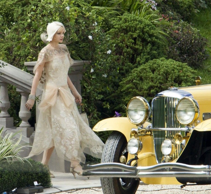 ...beh si, io esco così per andare in posta, quindi? *** STRICTLY NOT AVAILABLE FOR AUSTRALIA AND NEW ZEALAND*** Leonardo DiCaprio, Tobey Maguire, Carey Mulligan and Aussie actor Joel Edgerton were back shooting the Great Gatsby in Sydney. The cast have reassembled Down Under to finish filming Baz Luhrmann's highly anticipated 3D remake of The Great Gatsby, after bad weather during late last year put the production behind schedule. BYLINE MUST READ : XPOSUREPHOTOS.COM GERMAN CLIENTS PLEASE CALL TO AGREE FEE PRIOR TO PUBLICATION **UK AND USA CLIENTS MUST CALL PRIOR TO TV OR ONLINE USAGE PLEASE TELEPHONE 020 7377 2770 or 1 310 600 4723