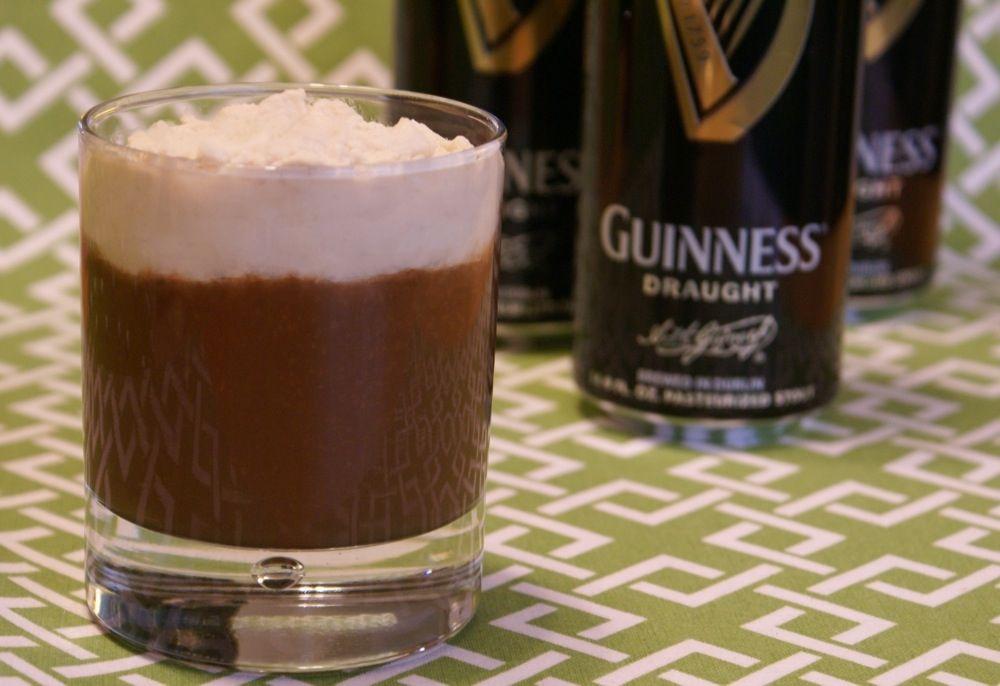 ... o preparando il dessert a base di Guinness!