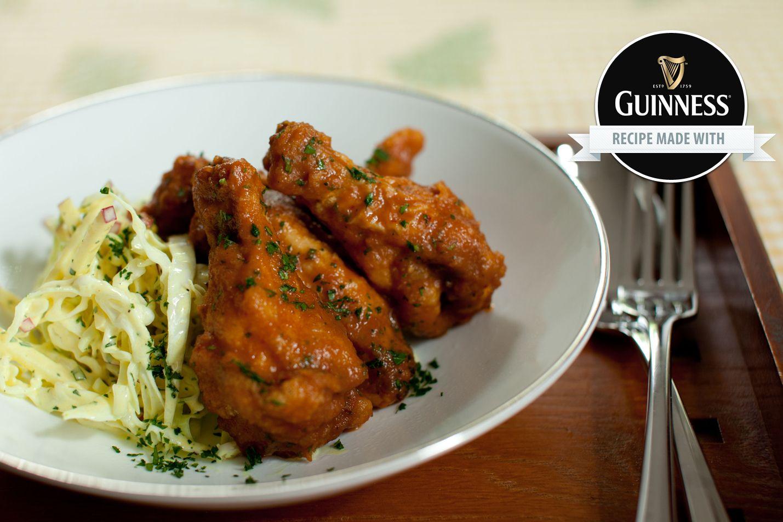 ... magari preparando il pollo alla Guinness...