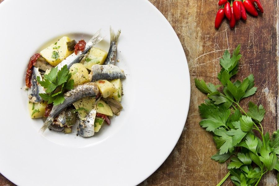 insalata-di-alici-patate-contemporaneo-food