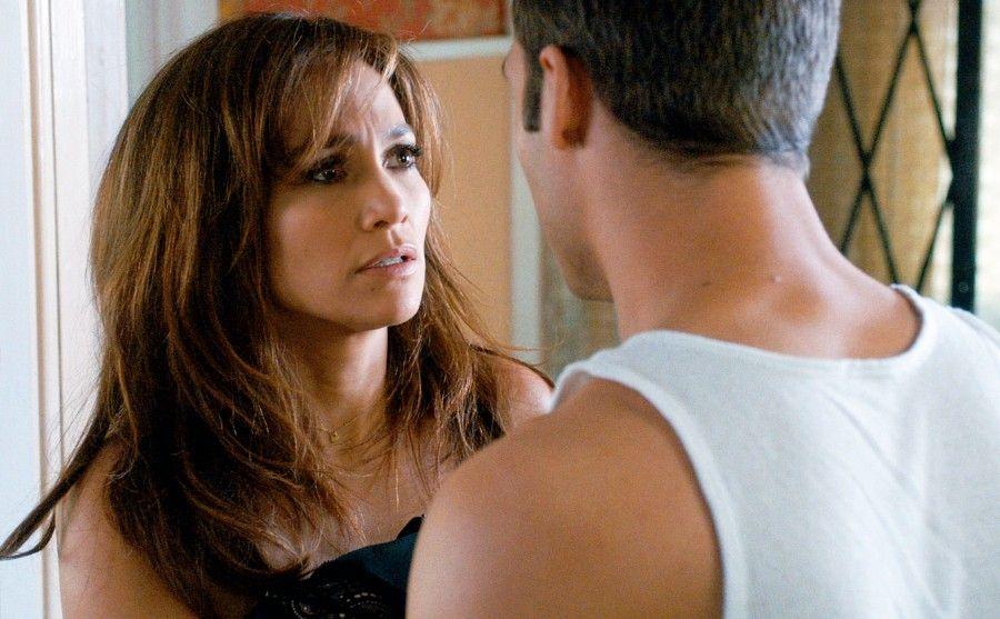 10 film che raccontano lo stalking e la violenza sulle - La ragazza della porta accanto colonna sonora ...
