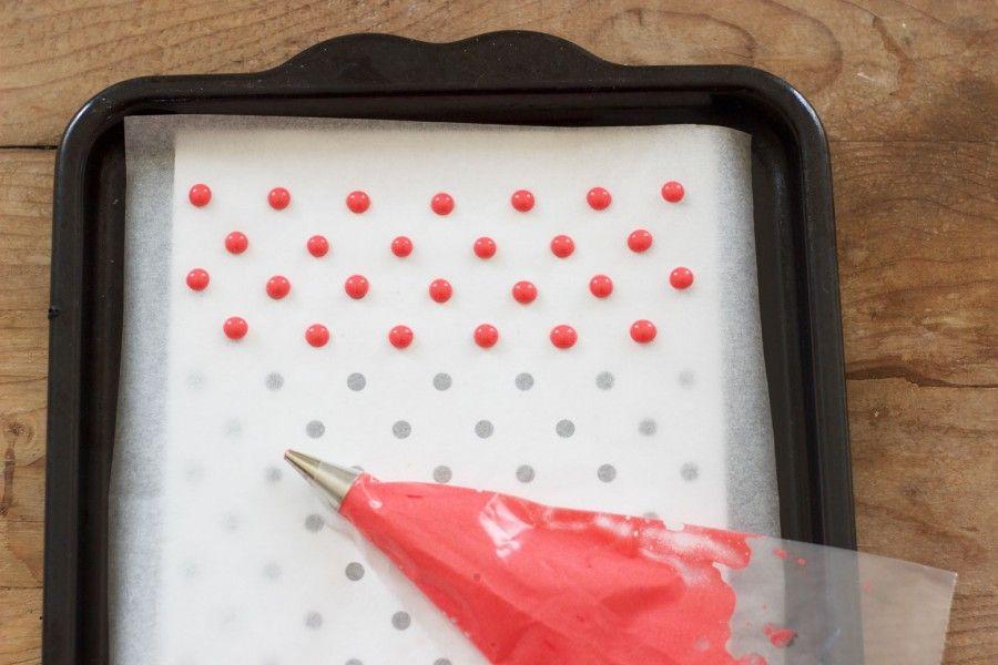 Pattern cake roll