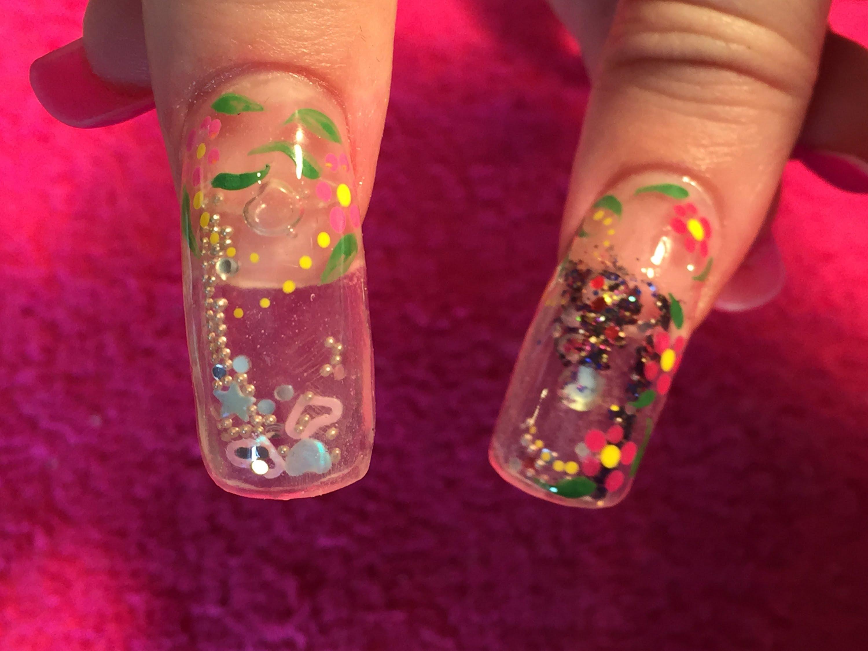 nail-art-effetto-acquario1