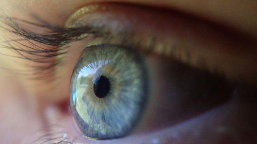 Gli occhi azzurri non sono sempre esistiti...